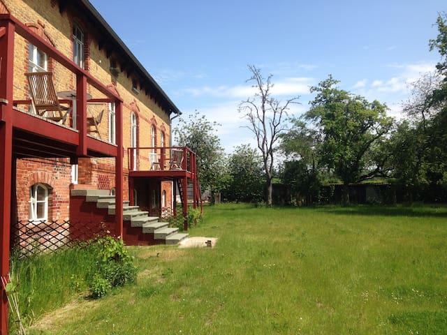 Wohnung im Gutshaus zwischen Stralsund und Barth
