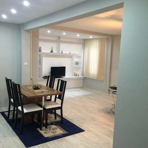 NEW RENOVATED APARTMENT IN THE CENTER OF PRISTINA