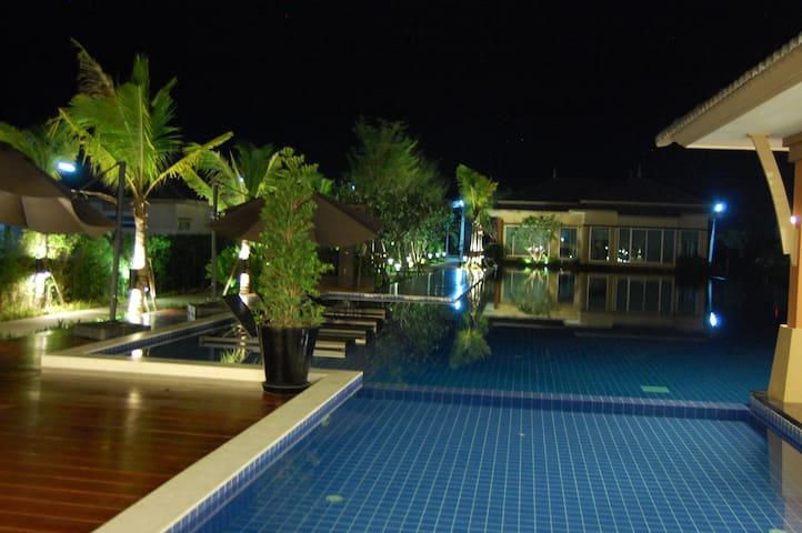 Casa Seaside Villa, Rayong Beach - ラヨン - 一軒家