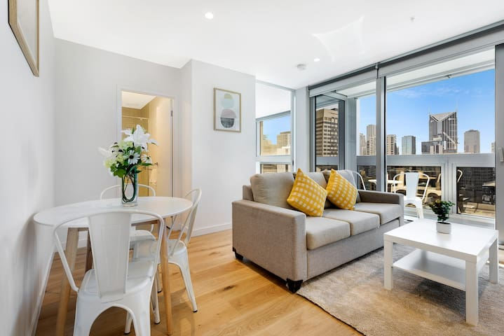 Comfortable One Bed apartment Melb City