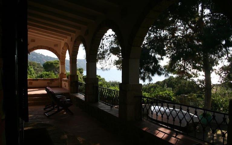 Villa panoramica a 50 metri dal Mare