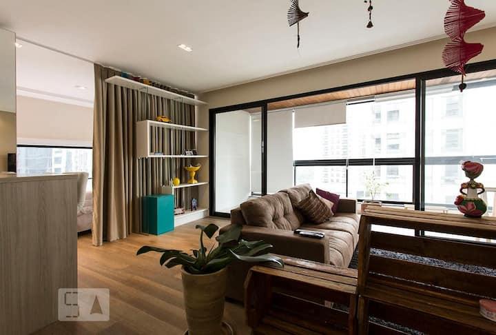 Moderno, Completo, Confortável e Bem localizado