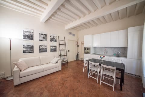Apartment historic center Volterra