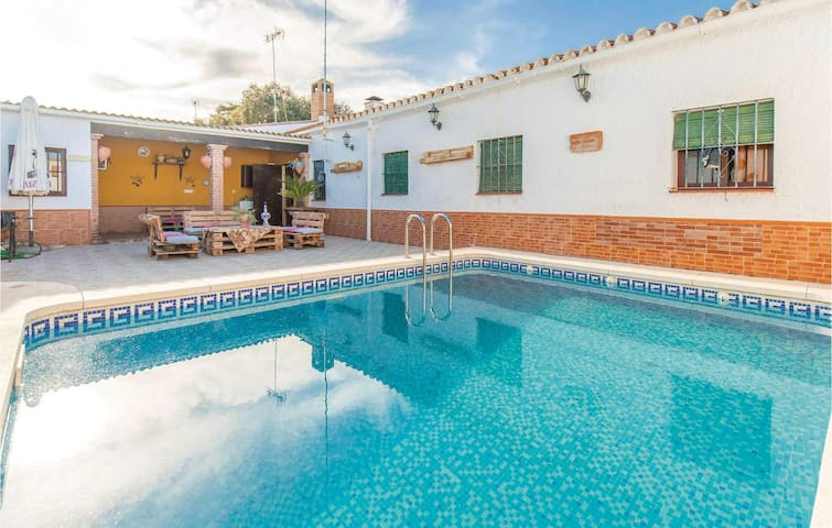 Terraced house with 3 bedrooms on 95m² in Peñaflor