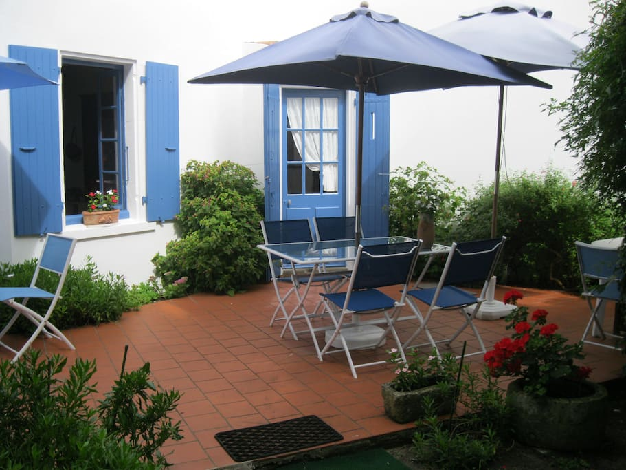 Charmante maison saint denis d 39 ol ron locations - Maison jardin toulouse location saint denis ...
