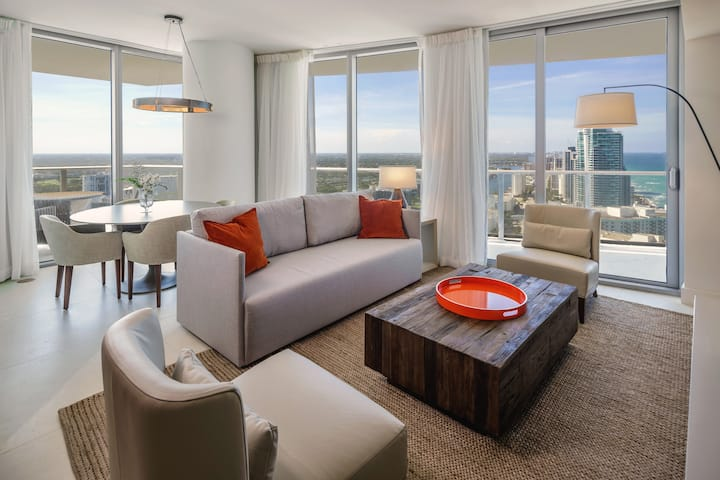 New 1BR at Hyde Beach +14th Floor with Kitchen