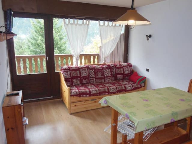 CHAMPAGNY - 6 pers, 30 m2, 1/0