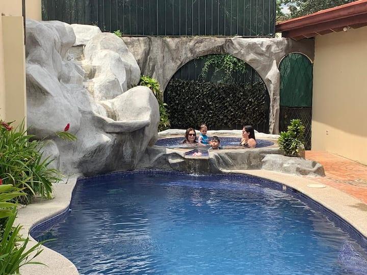 Preciosa Villa privada piscina,  Jacuzzi ADICIONAL