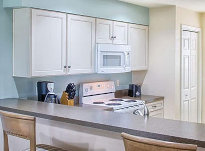 Close to Silver Dollar City! 2 Beds / Sleeps 4