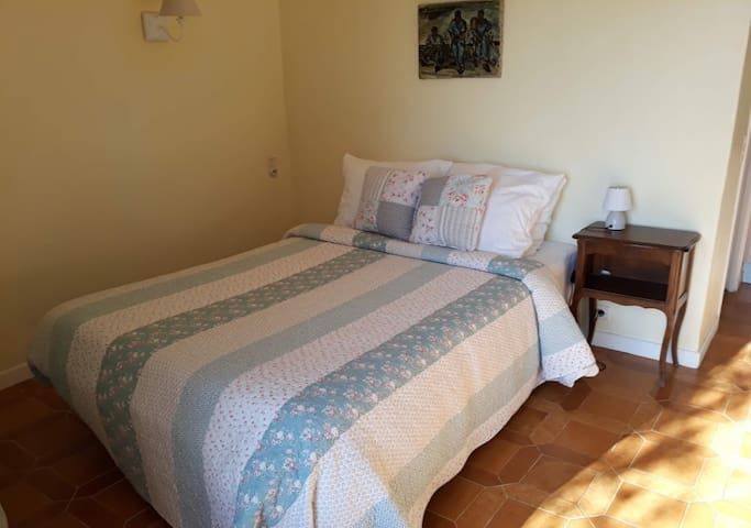 double bed 140 wide... ideal for couples or singles
