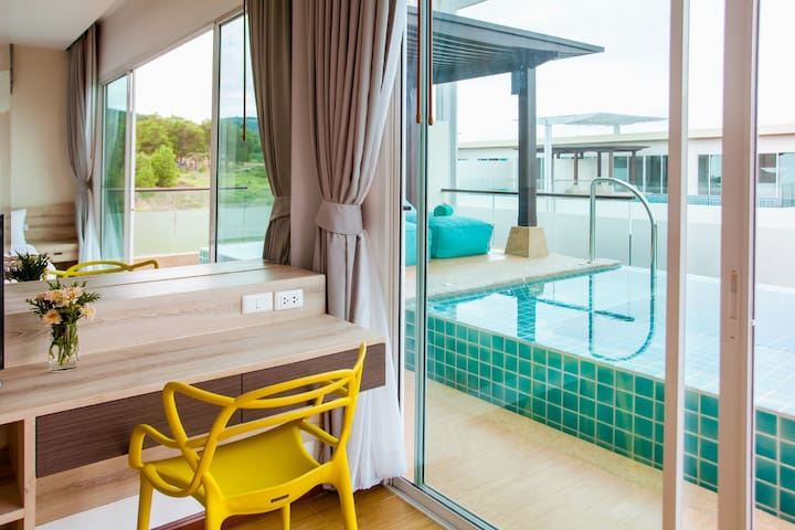 2bedroom apartment&private pool near the beach