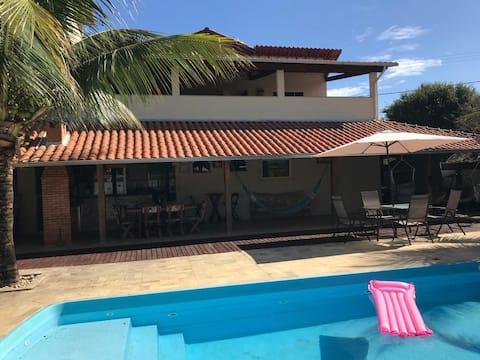 Casa com piscina e churrasqueira em Goianá/MG.