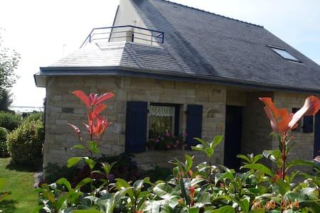 Jolie maison, plein sud, à 80 m de l'Océan, 3 clév - Sarzeau - Σπίτι