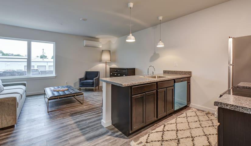 1 bedroom Downtown Clarksville at ZAZU!