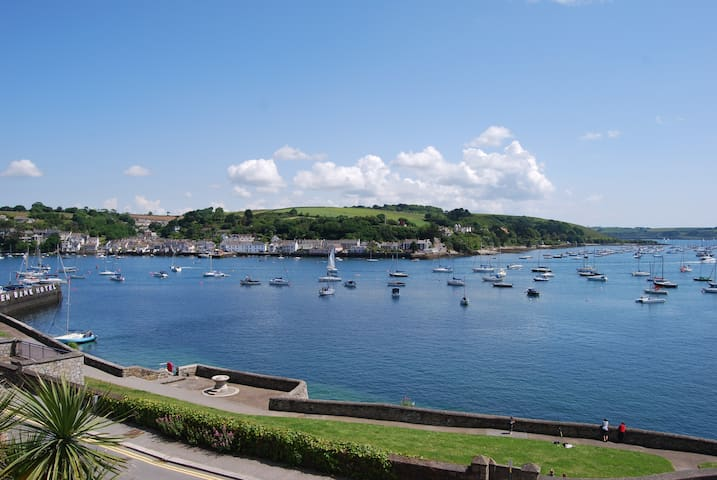 Harbour View - apartment for 4 in Falmouth