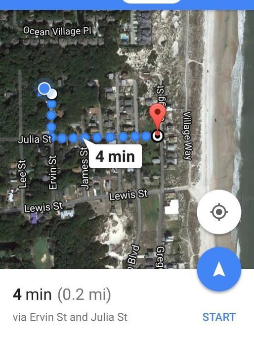 A 4 minute walk to the beach!
