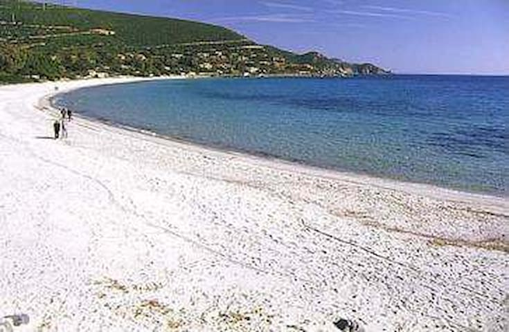 Torre delle Stelle Sardegna  spiaggia Genn'è Mari