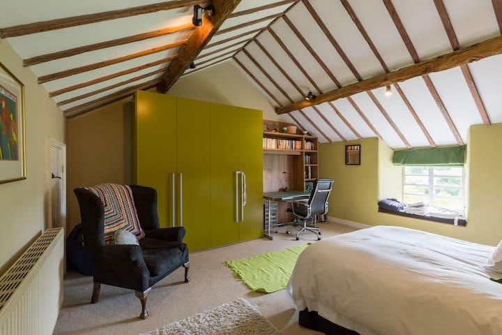 ..super large bedroom Jacks room! Kingsize bed...