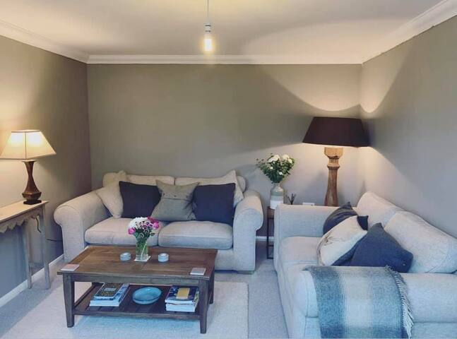 Private sitting room & bathroom in Lesbury!