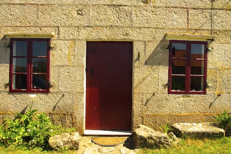 Old stone forest Galician cottage - Carnota - Huis