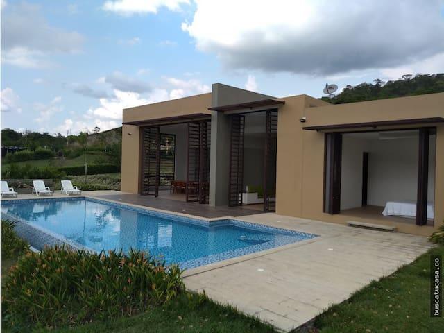 Hermosa Casa - Villeta Cundinamarca