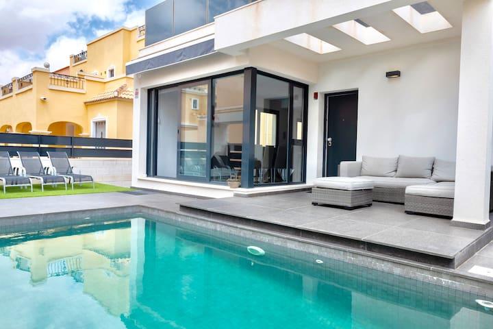 Villa de Luxe  à Orihela Costa