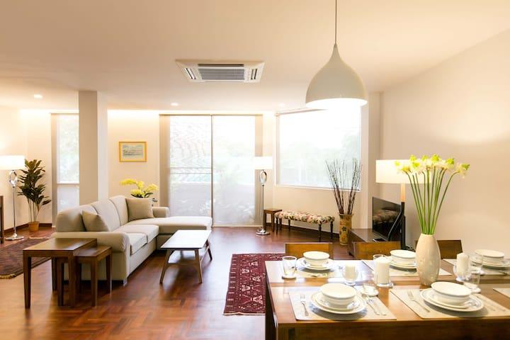 Luxury 3BR Roof top deck Sathorn 1 Lumpini - Bangkok - Rumah