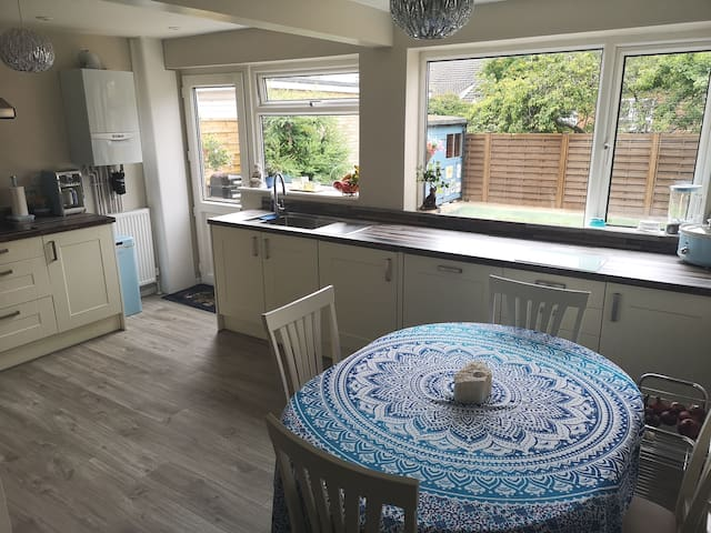Double Room close to Convention Centre/ Town