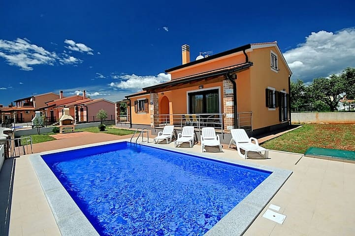 House Mladen 1 with swimming pool - Nova Vas - Dom
