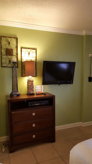 Flat Screen TV and DVD player.