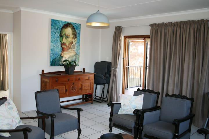 Okapi Place, Monument Park/Waterkloof, Pretoria