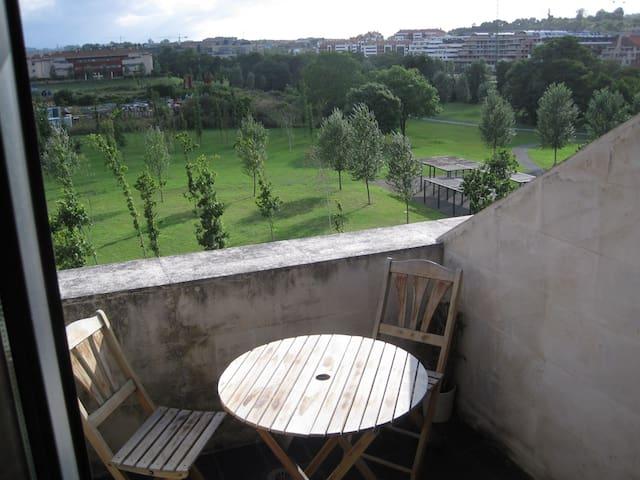 Coqueto y luminoso apartamento con vistas al río. - Gijón - Apartment