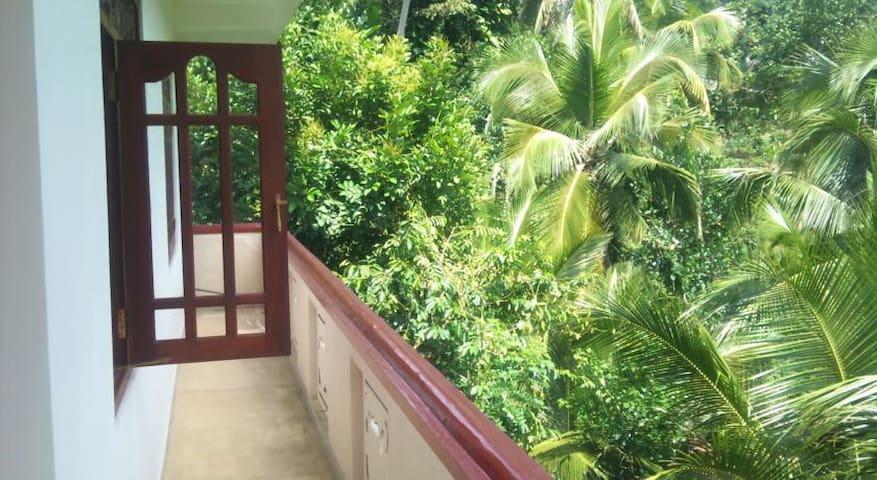 Miriswattha Garden Residencies - Deniyaya - Bed & Breakfast