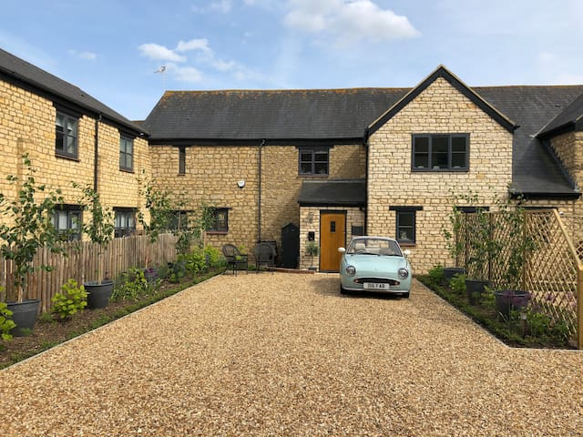 Stunning barn conversion double room private bath