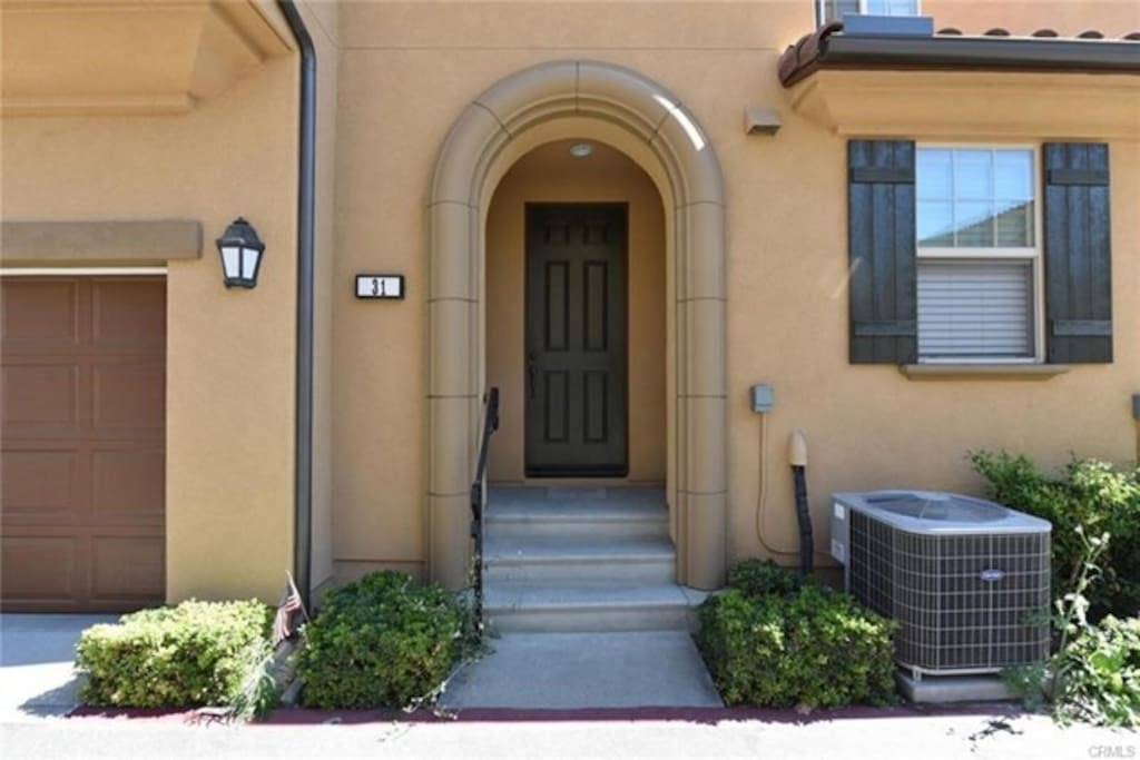 Irvine Beautiful Clean 3 Bedrooms Townhouse