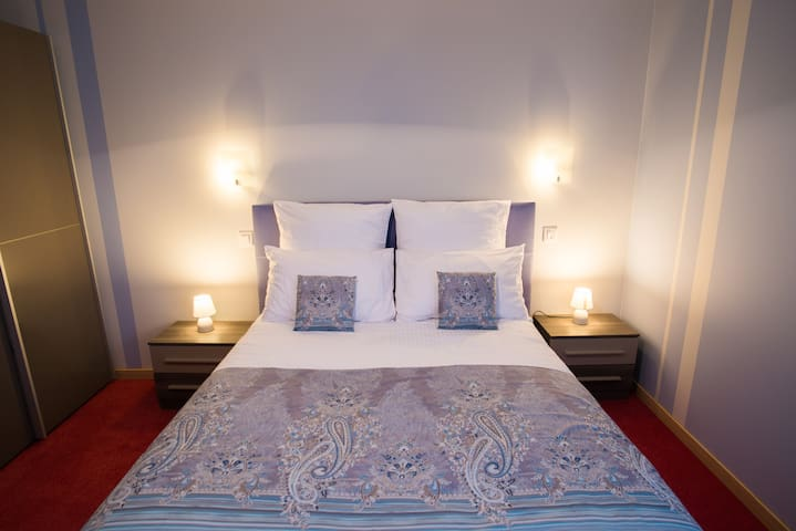 Chambre TOPAZE      Bed and Breakfast