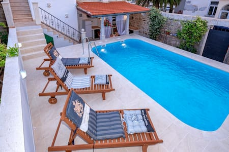 Deluxe villa with private pool and panoramic view - Jelsa - Villa