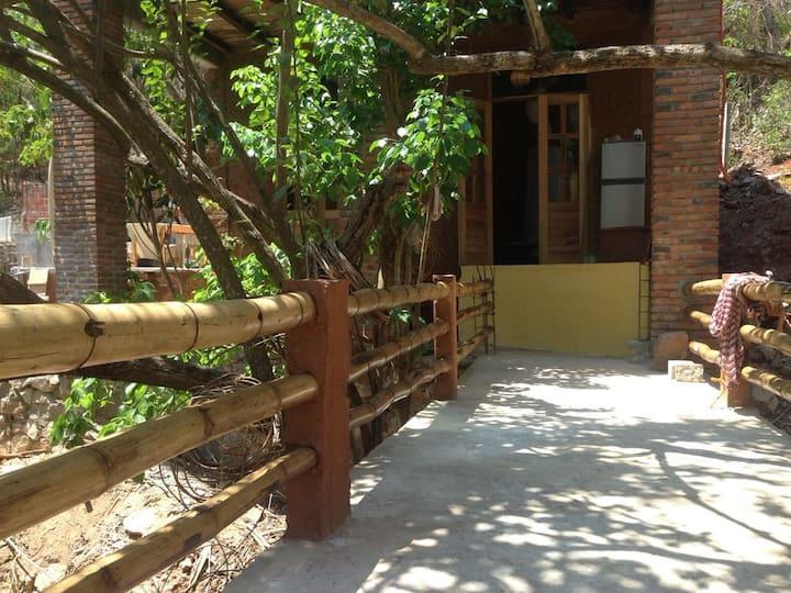 Casa Guiu - Room with Queen bed & private bathroom