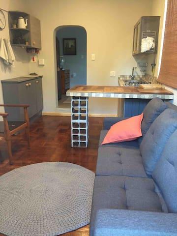 Hillcrest single office suite