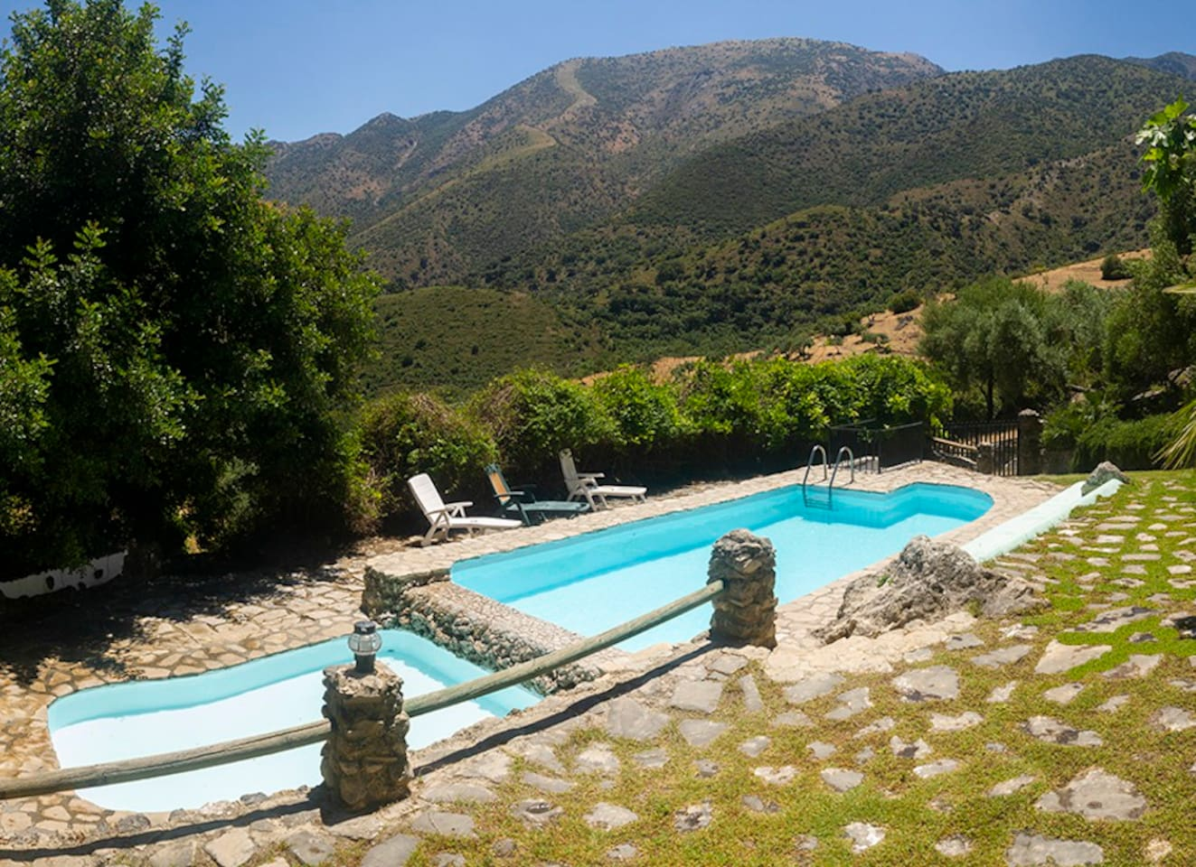 Private pools with amazing view to Natural Park of Sierra de Grazalema