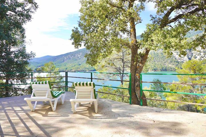 PanoramaTerrace at the lake - Finca de Roble!