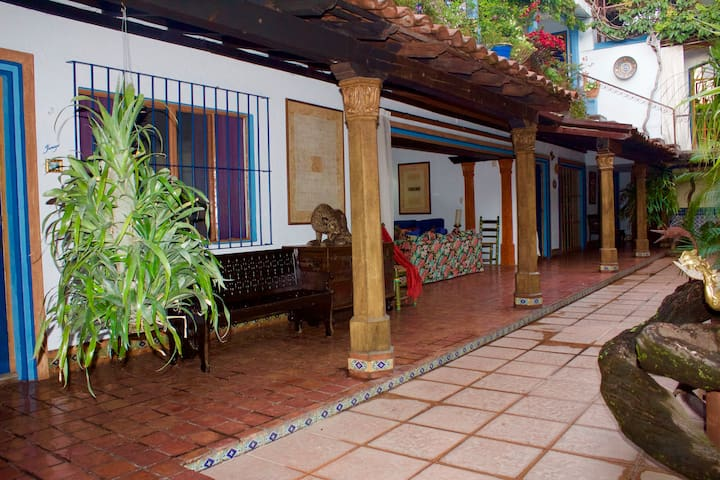 Your Host Inn Cuernavaca - 3 Private Suites