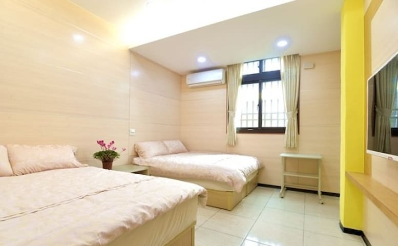 Lvyou綠友 B&B-Cozy and spacious room in Tianwei田尾 - Tianwei Township - House