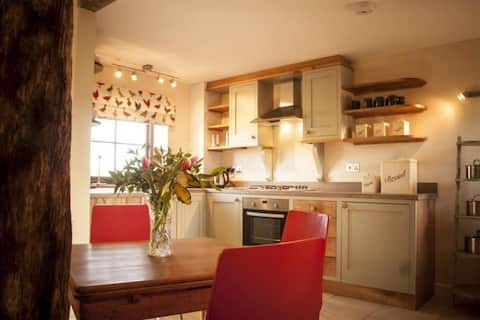 Country cottage, The Plough at Hog Hill Cottages