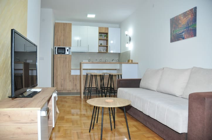 Cross Apartment