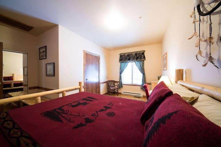 Moose Lodge Room 1
