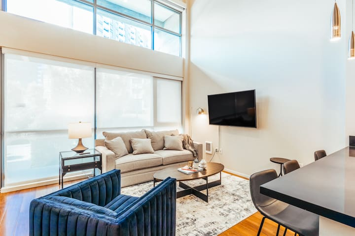 Stay in our Mission Bay Luxury Apartment!