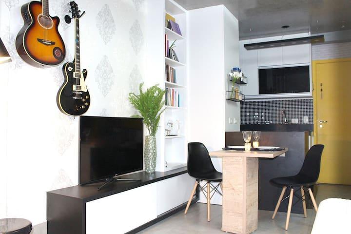 Studio Decorado e Confortável Pananby/Morumbi