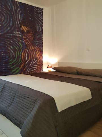 Camera con bagno e soggiorno ad esclusivo uso - Silvaplana - Huoneisto