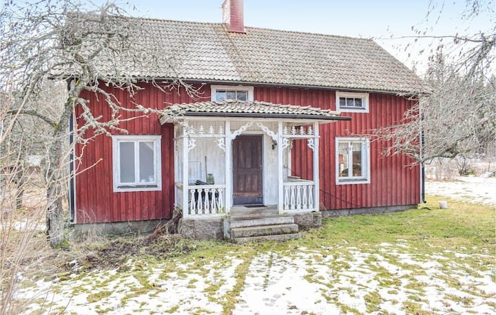 Holiday cottage with 2 bedrooms on 90m² in Gullringen
